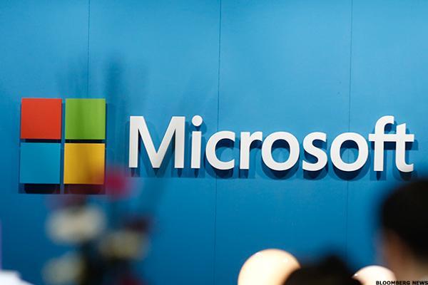 marketing mix of microsoft corporation Windows 10 ha sido todo un éxito, ¿cómo logró microsoft posicionar su producto en 75 millones de computadoras en un mes.